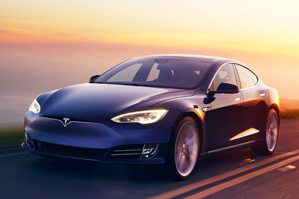 Hypermilers rijden recordafstand met Model S