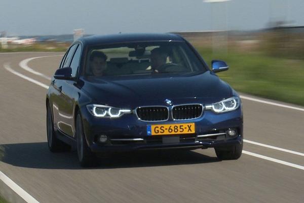 Video: Achteruitkijkspiegel - BMW 340i