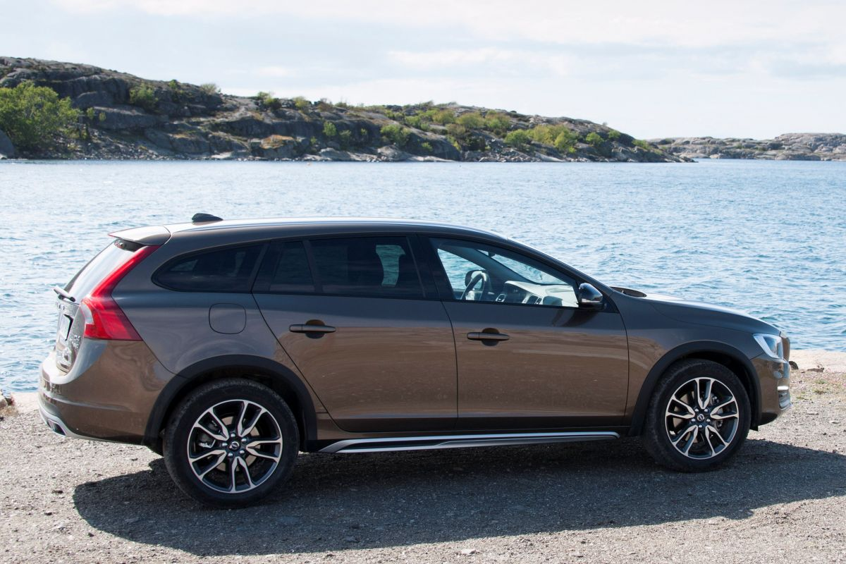 volvo v60 cross country foto 39 s autoweek fotospecial. Black Bedroom Furniture Sets. Home Design Ideas