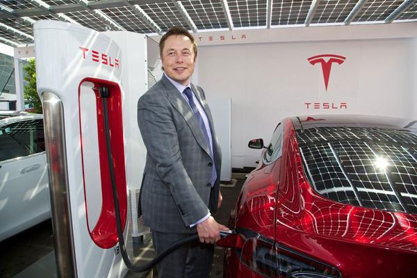 Tesla schroeft productie op