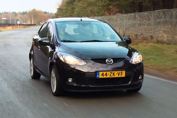 Video: Klokje Rond - Mazda 2 1.5 Executive - 2008 - 321.240 km