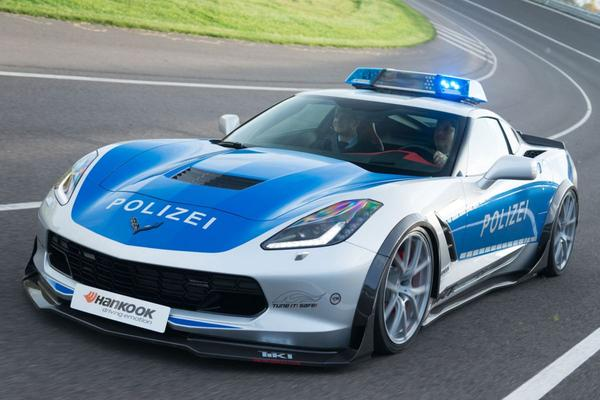 Chevrolet Corvette Stingray in Polizei-pak