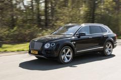 Rij-impressie - Bentley Bentayga