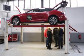 Tesla Model S P85 - 271.452 km - Klokje Rond