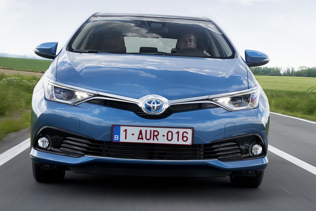 toyota auris 1 8 hybrid now specificaties auto vergelijken. Black Bedroom Furniture Sets. Home Design Ideas