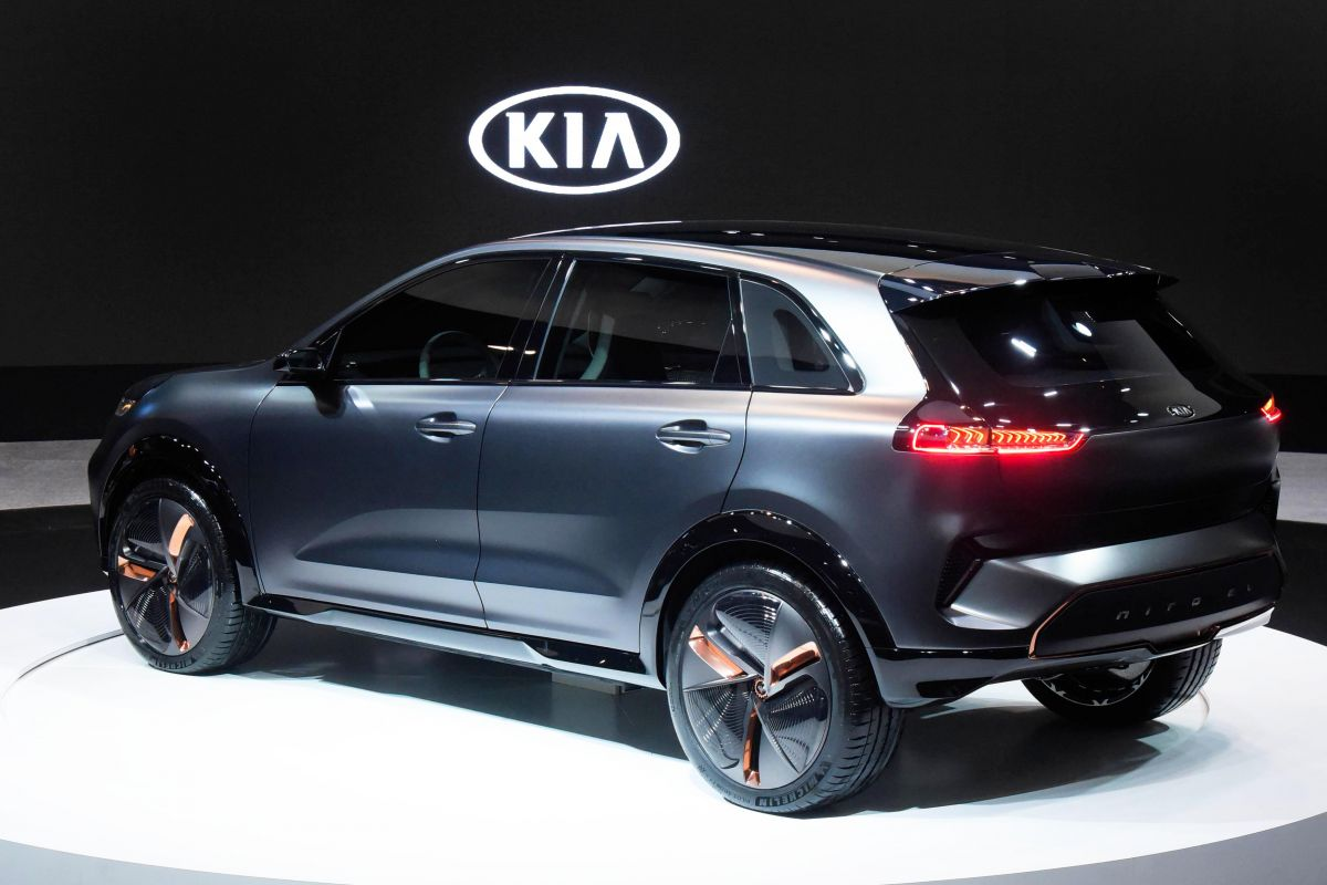 kia niro electric concept gepresenteerd. Black Bedroom Furniture Sets. Home Design Ideas