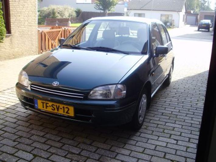 Toyota Starlet 1.3 GXi (1998)
