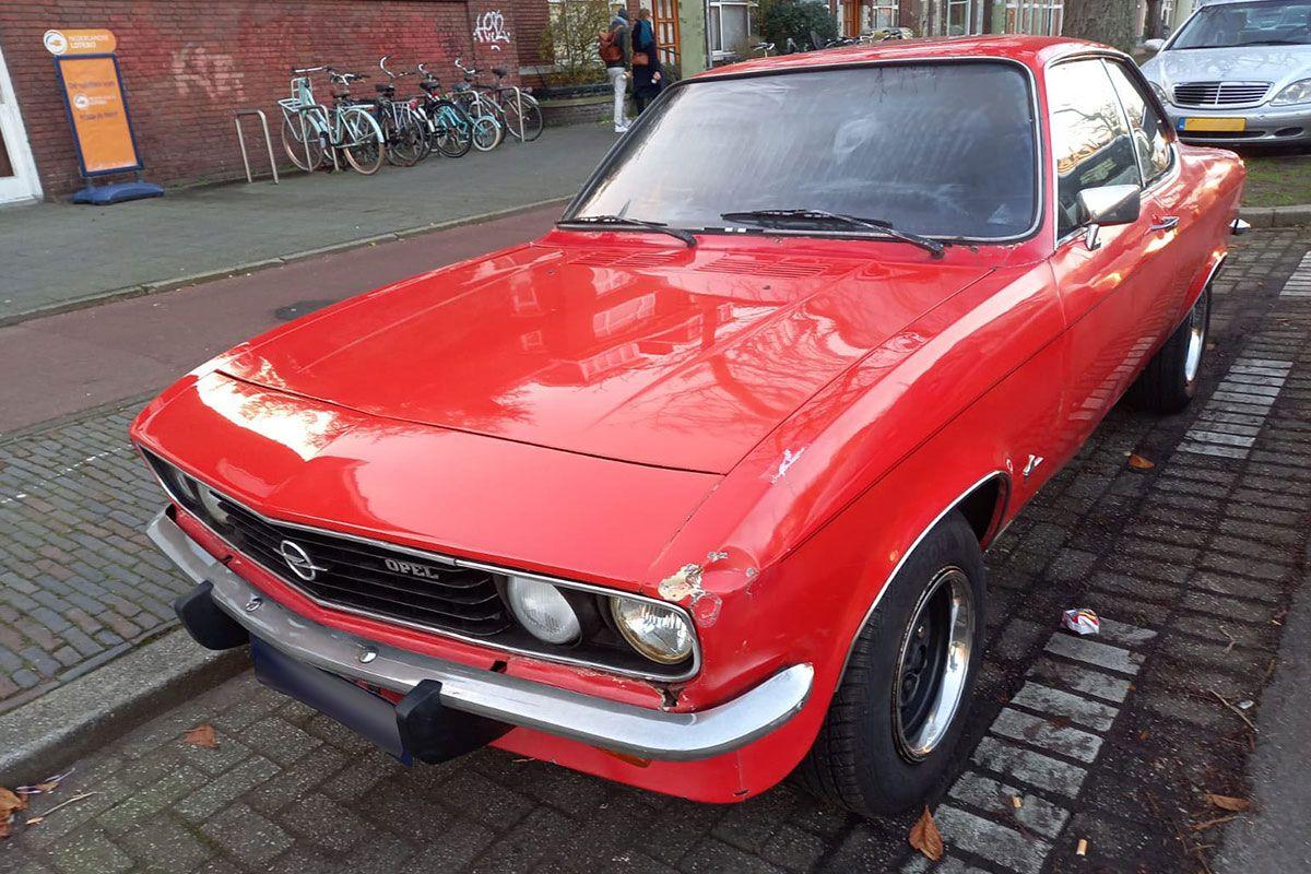 Opel Manta A 1975 In het Wild