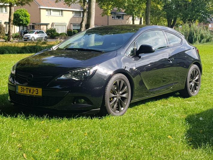 Opel Astra GTC 1.4 Turbo 140pk Sport (2012)