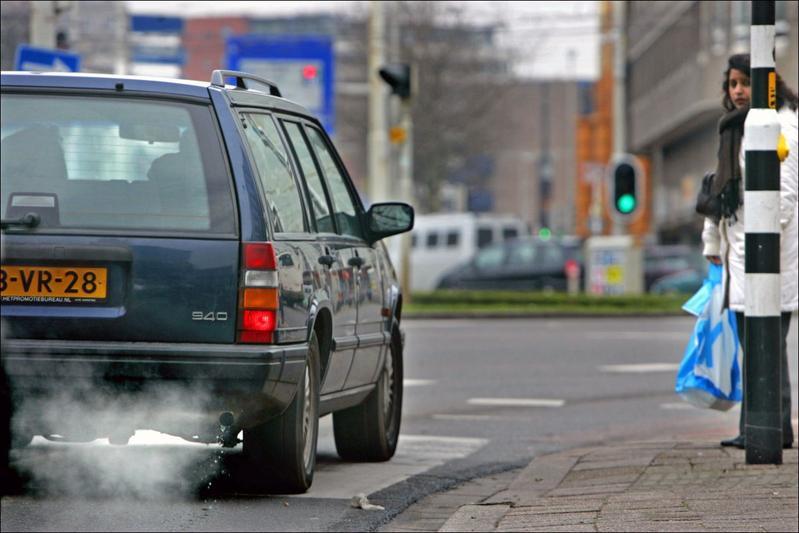 Diesel binnenstad Amsterdam CO2 regels stoplicht zebrapad