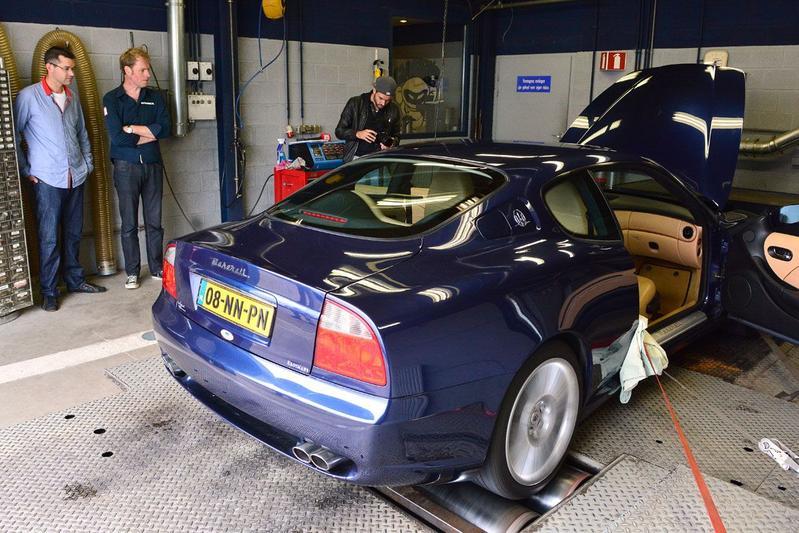 Op de Rollenbank - Maserati 4200 GT