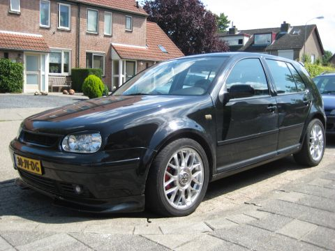 volkswagen golf 2 3 v5 4motion highline 2000. Black Bedroom Furniture Sets. Home Design Ideas