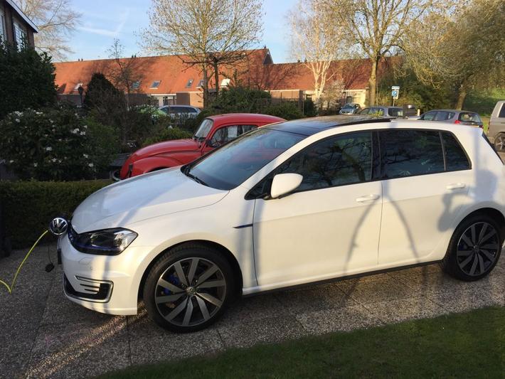 Volkswagen Golf 1.4 TSI GTE (2015)