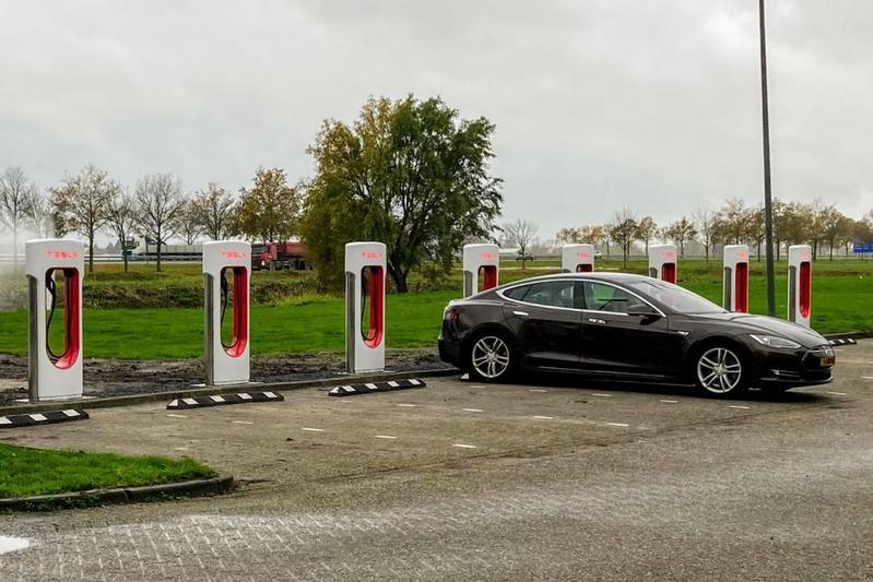 Tesla supercharger Zuidbroek