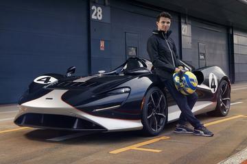 McLaren Elva op z'n staart getrapt door Lando Norris