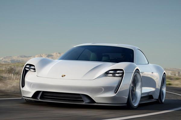 Porsche Mission E als Taycan in productie