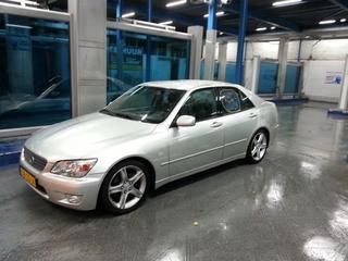 Lexus IS 200 Executive (2000)