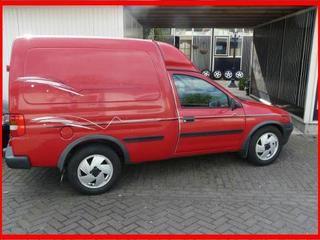 Opel Tour 1.7 Di-16V (2002)