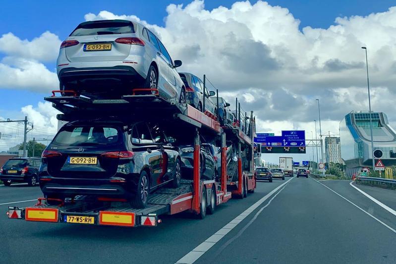 Verkoop auto's vrachtauto nieuw kenteken Zuidas A10