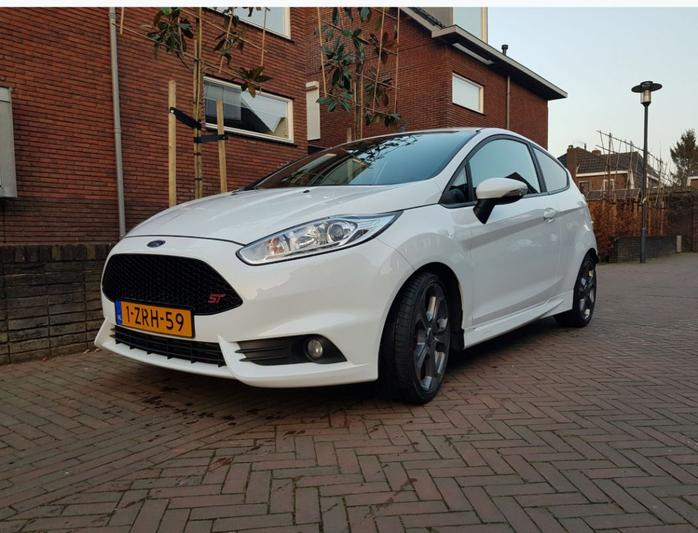 Ford Fiesta 1.6 EcoBoost ST2 (2015)
