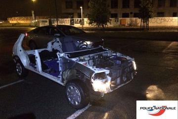 Franse politie houdt restant Peugeot 205 aan