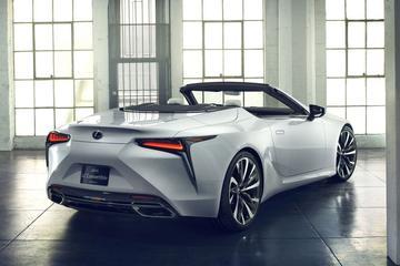 Lexus zaagt dak van LC