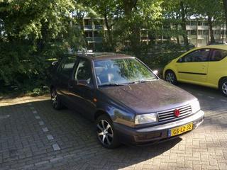 Volkswagen Vento 1.8 90pk GL (1993)
