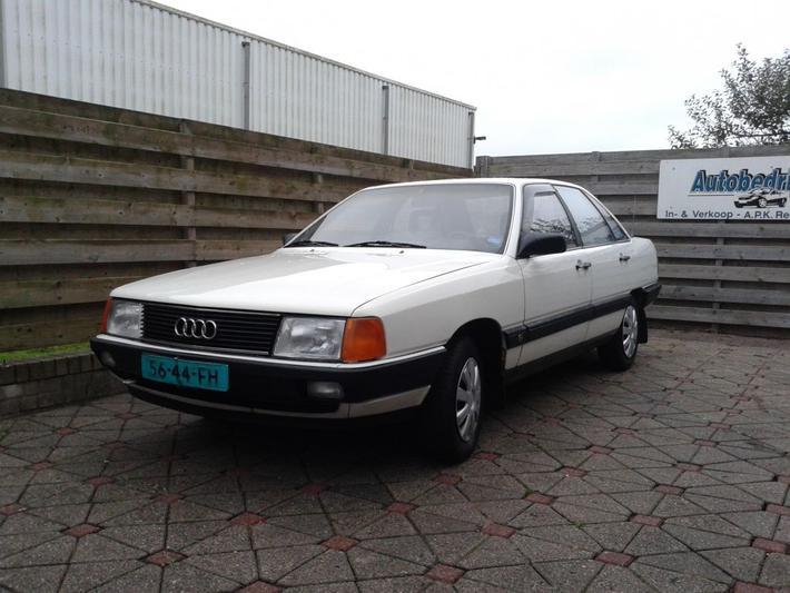Audi 100 1.8 75pk (1986)