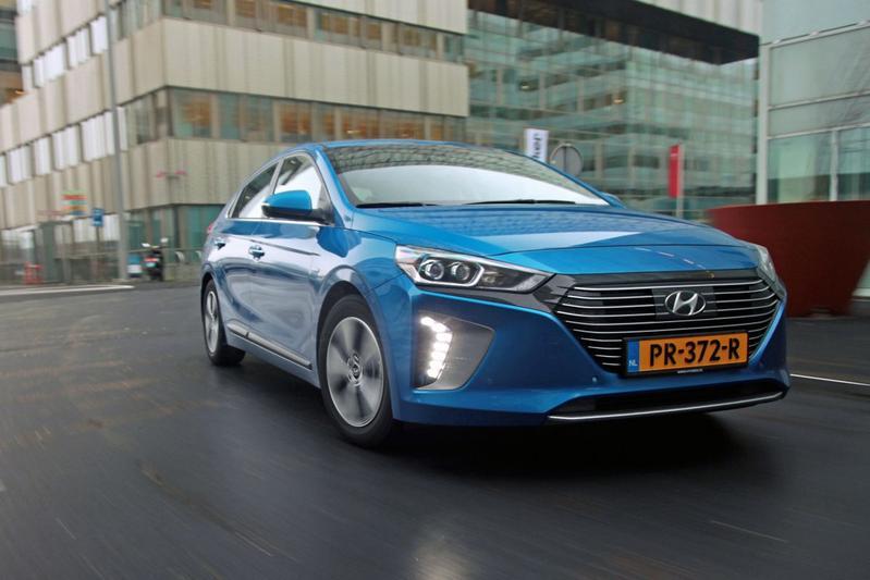 Hyundai roept hybride-versies Ioniq terug