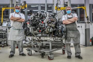 Bentley zwaait iconische 6,75-liter V8 uit