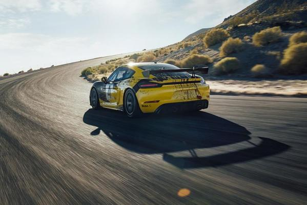 Porsche onthult 718 Cayman GT4 Clubsport