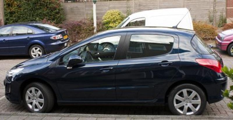 Peugeot 308 Sublime 1.6 VTi (2010)