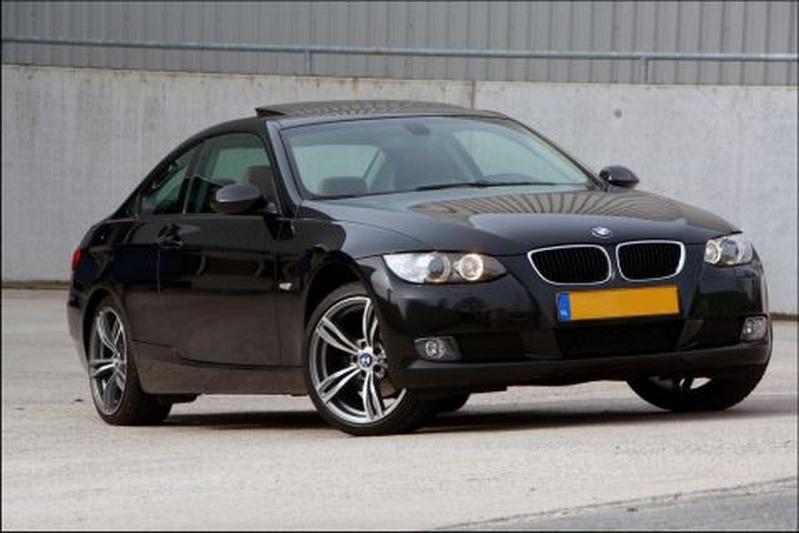 BMW 320i Coupé High Executive (2008)