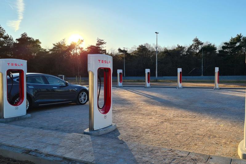 Tesla Supercharger Eemnes