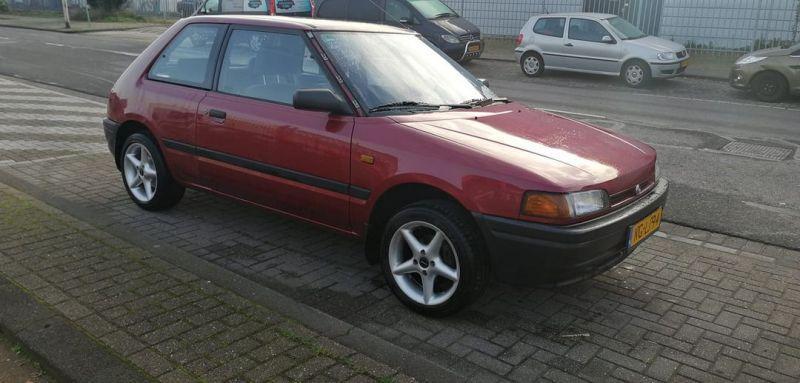 Mazda 323 1.3i Millionaire (1995)