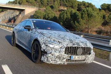 Mercedes-AMG met GT Coupé naar Genève