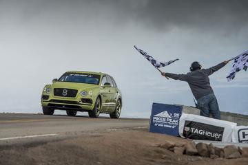 Bentley Bentayga snelste SUV Pikes Peak