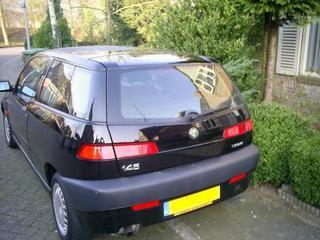 Alfa Romeo 145 1.6 Twin Spark 16V L (1998)