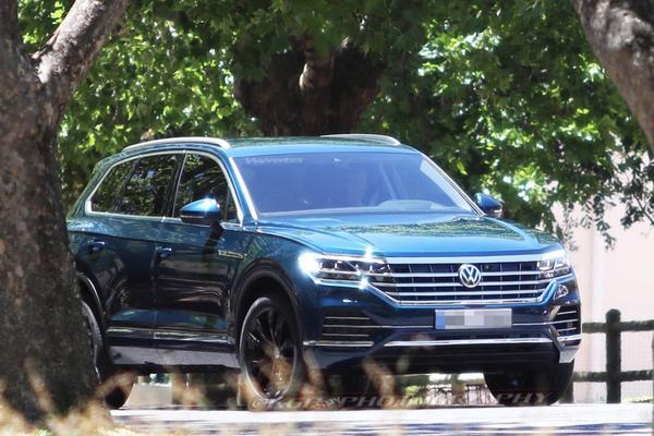 Nieuwe Volkswagen Touareg zonder plakkers