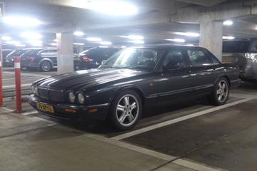 In het wild: Jaguar XJR (1997)