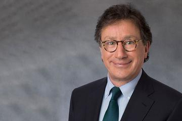 Ferrari-CEO Louis Camilleri stapt op