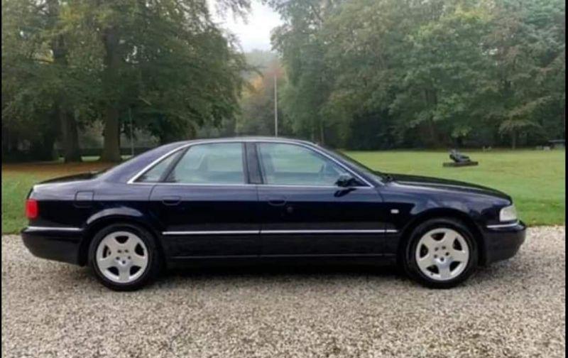 Audi A8 2.8 5V quattro (2001)