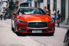 Infiniti proeft voor het eerst Cubaans asfalt