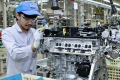 Mazda opent nieuwe motorenfabriek
