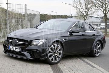 Mercedes test met 'E-klasse Sportcoupé'