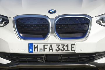 BMW wil aantal aandrijflijnen halveren