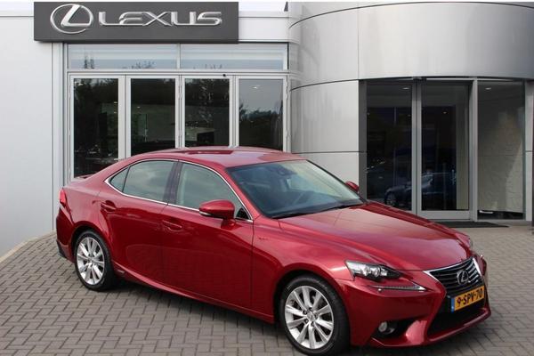 Lexus IS te koop AutoWeek