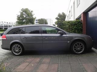 Opel Vectra Stationwagon 1.9 CDTi 150pk Elegance (2005)