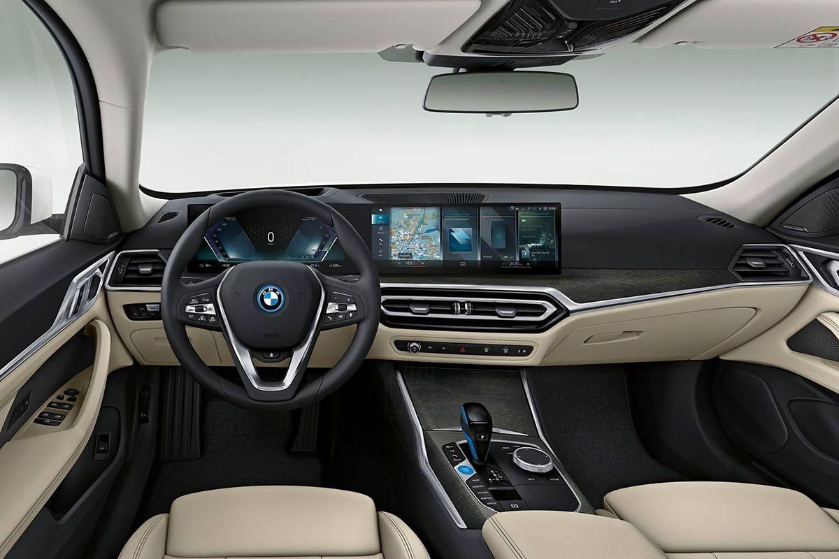 Interieur BMW i4 (gelekt)