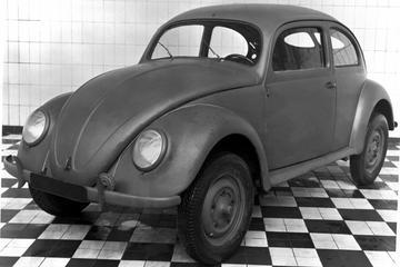 Naoorlogse Volkswagen Kever 75 jaar oud
